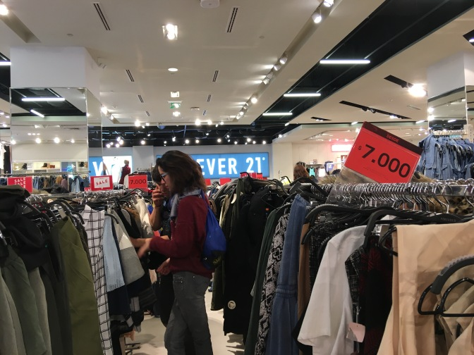 Shoppings, outlets y descuentos: Guía de compras en Santiago de Chile