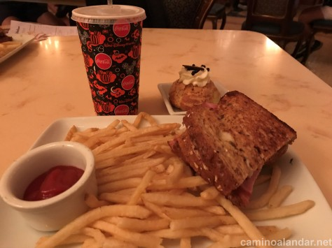 croque monsieur Be our guest restaurant disney
