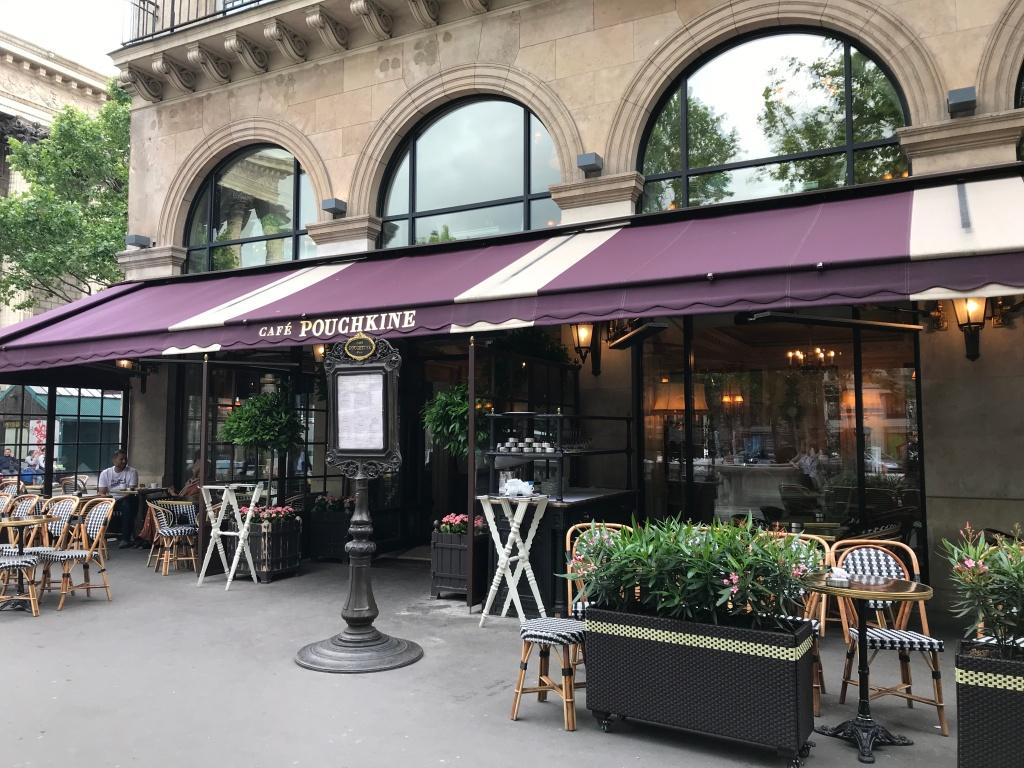 Café Pouchkine Paris Macarons